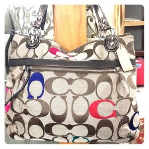 💕 Coach beautiful large jacquard satchel nice 💕